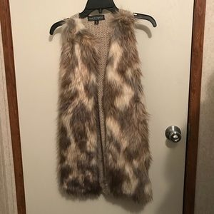 Almost Famous Fur Vest Size XS New 💕